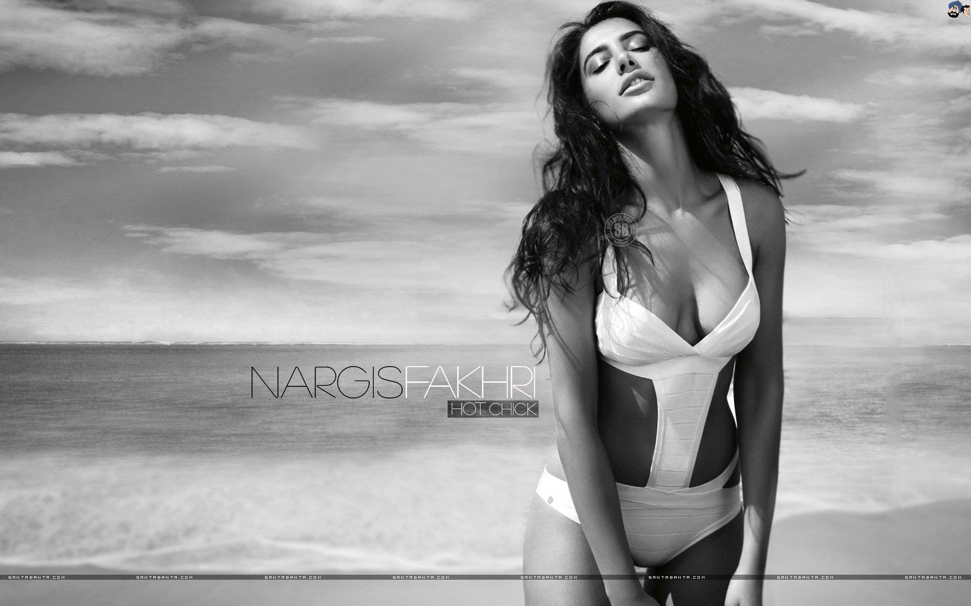 Fakhri nude nargis 23+ Nargis