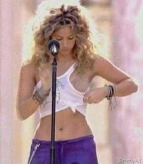 Shakira Oops