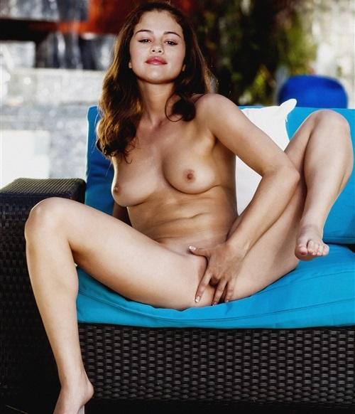 Selena gomez masturbating
