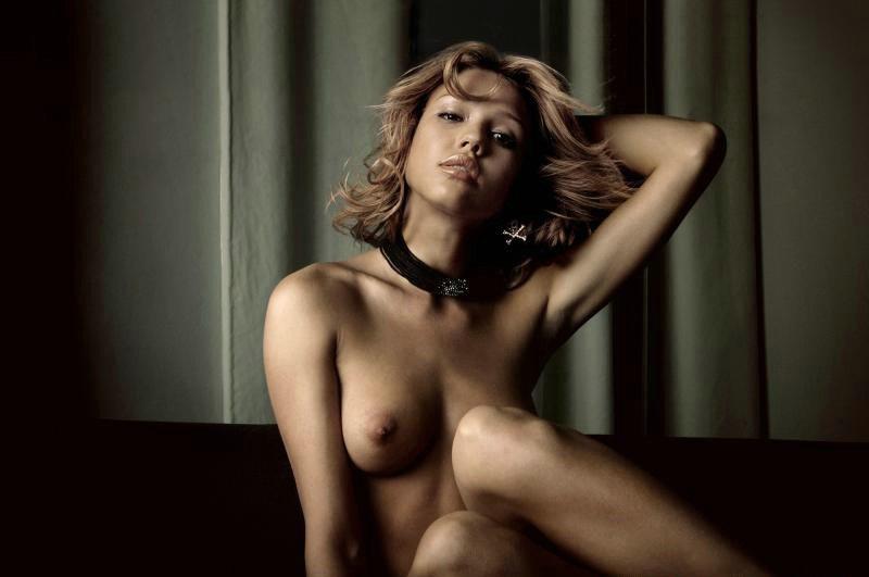 alba-eroticheskoe-foto