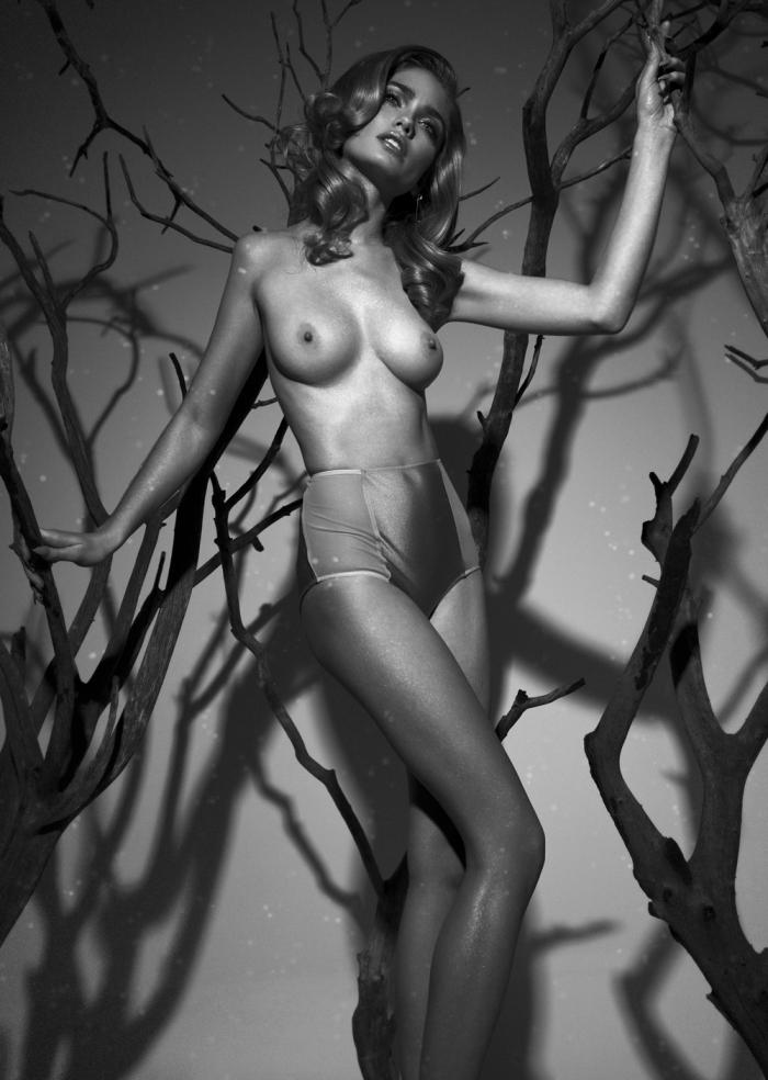 Natalie Morris  nackt