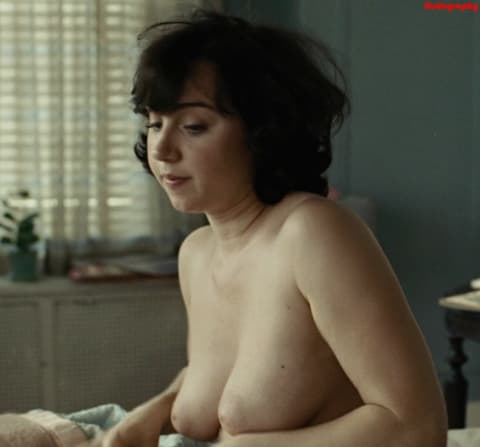 Zoey Deschannel Nude