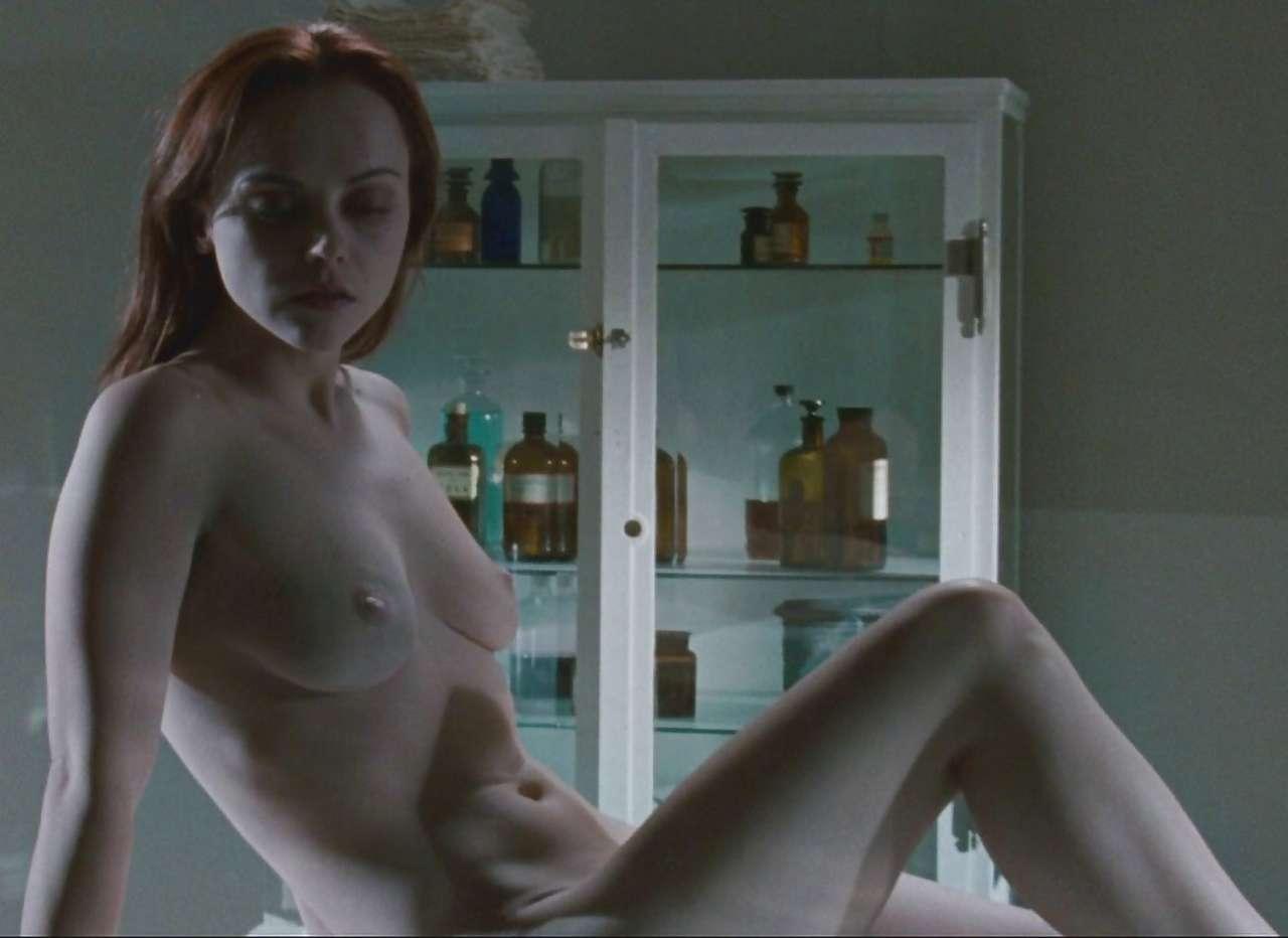 Christina ricci free nude pics