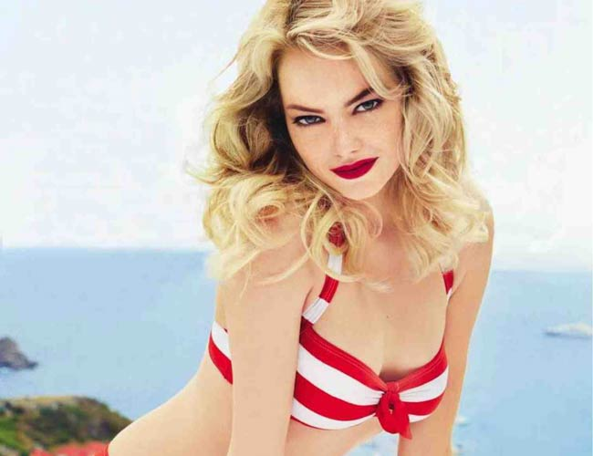 Emma Stone Naked Selfie Goes Viral, But Is Pic Really Her